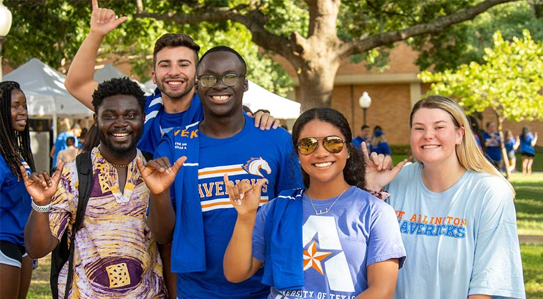 Students Mav Up during the 2019 Welcome Bash.