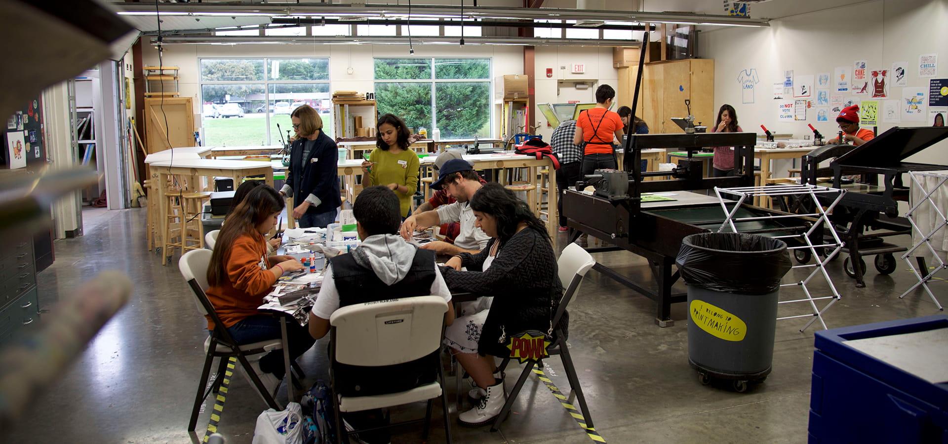 """Students working in art workshop"""" _languageinserted=""""true"""