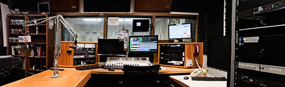 UTA Radio microphone and monitor