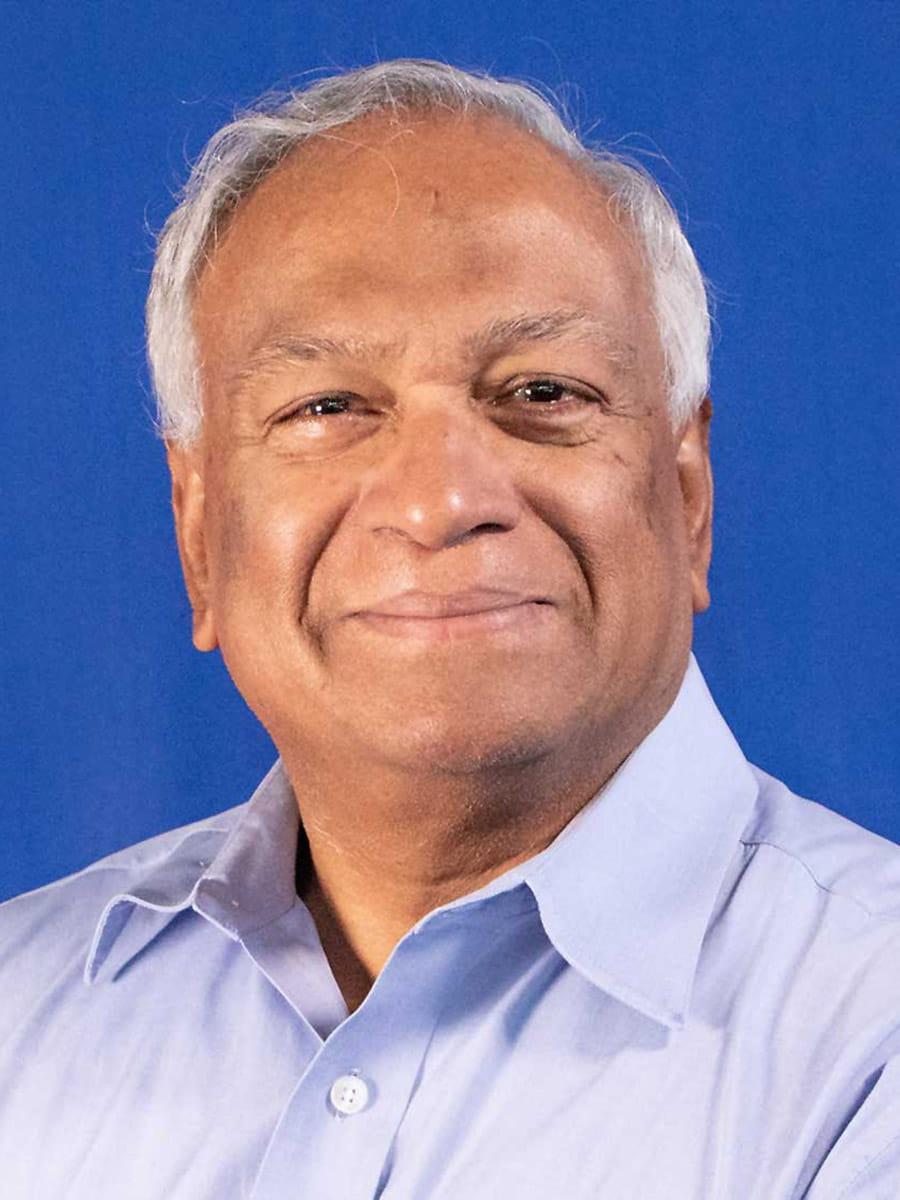 Sharma Chakravarthy, Ph.D., Computer Science and Engineering