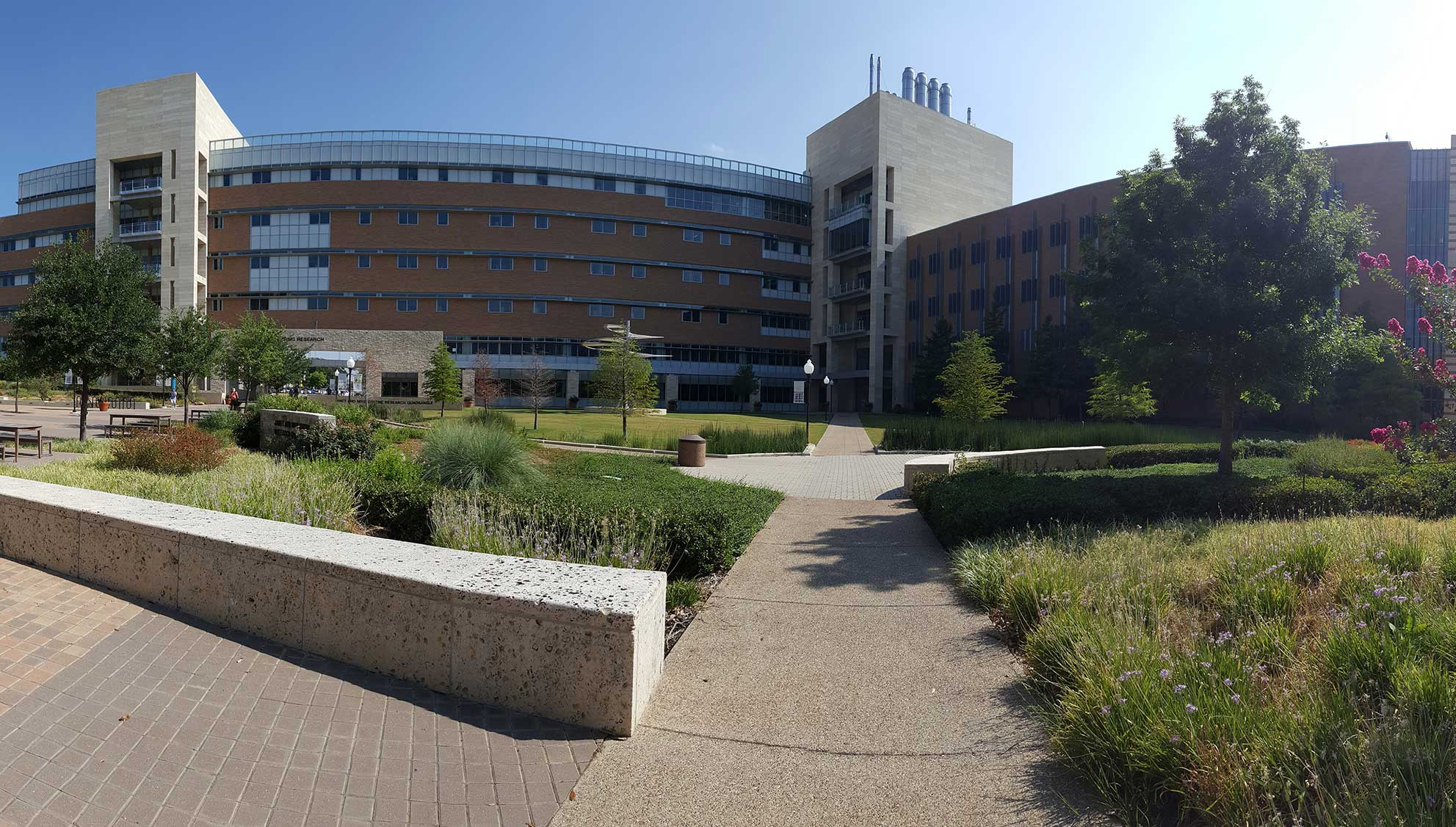 UTA College of Engineering Mike and Janet Greene Research Quad and Engineering Research Building