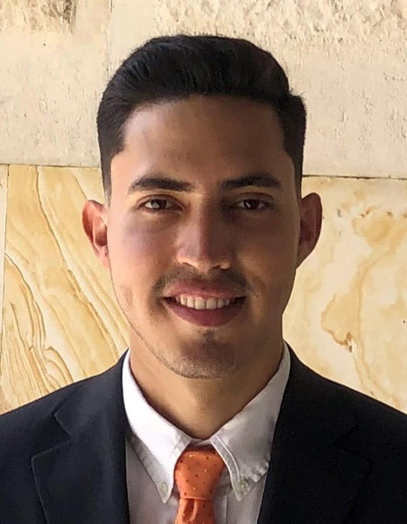 "UTA Civil Engineering doctoral student Jose Vasquez"" width=""808"" _languageinserted=""true"" src=""https://cdn.web.uta.edu/-/media/project/website/engineering/general-images/vasquez-hs.ashx?la=en"