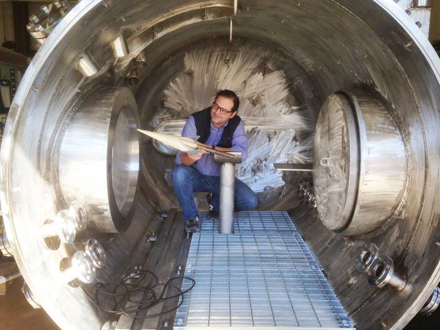 "Dr. Luca Maddalena, Aerospace Engineer inside hypersonic wind tunnel."" width=""900"" _languageinserted=""true"" src=""https://cdn.web.uta.edu/-/media/project/website/engineering/research-areas/maddalena-wind-tunnel.ashx?la=en"
