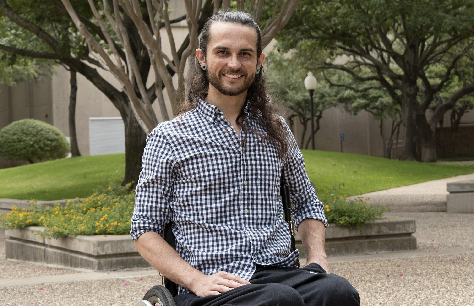 UTA electrical engineering student Jordan Baker