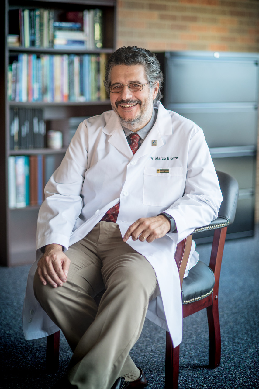 "Marco Brotto, professor of nursing at UTA's College of Nursing and Health Innovation and director of the Bone-Muscle Research Center."" _languageinserted=""true"
