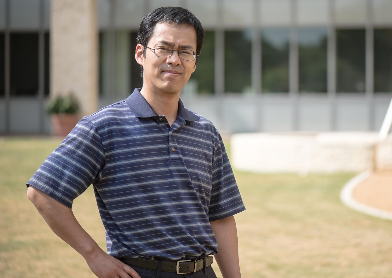 "Junzhou Huang, associate professor of computer science and engineering"" _languageinserted=""true"