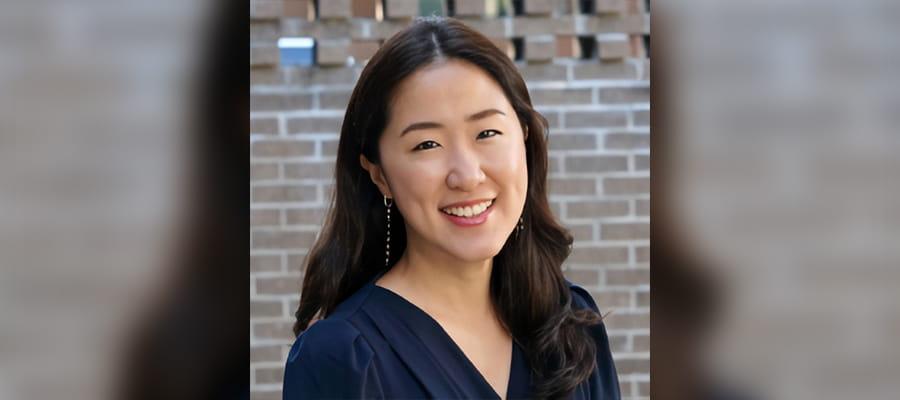 """Kathy Lee"""" width=""""100%"""" src=""""https://cdn.web.uta.edu/-/media/project/website/social-work/news/kathy-lee1.ashx?la=en"""" _languageinserted=""""true"""