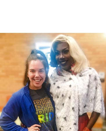 Kelly O' Keefe with a drag model