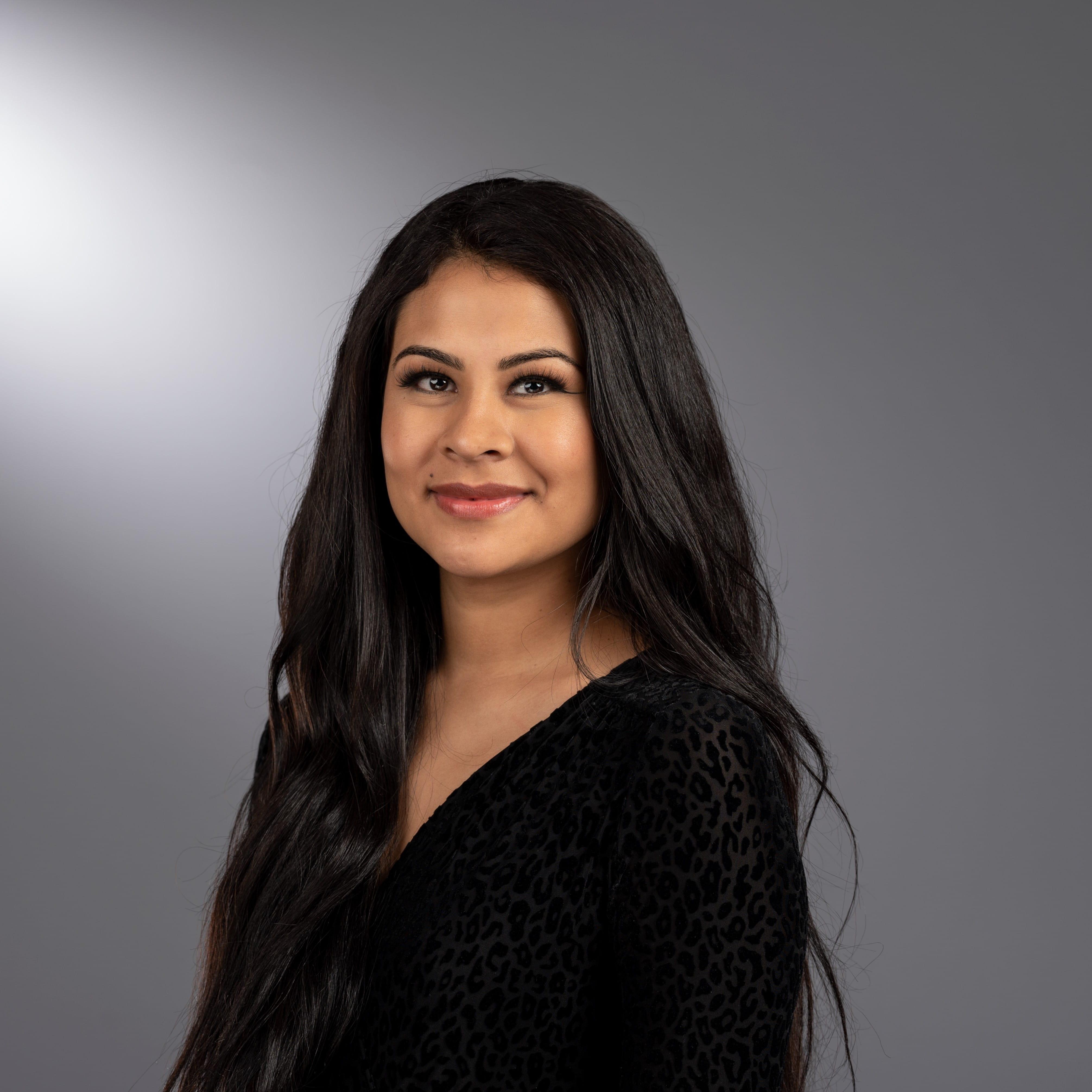 Headshot of Tania Fernandez